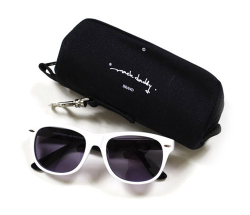 MACKDADDY Two-Toned Sunglasses