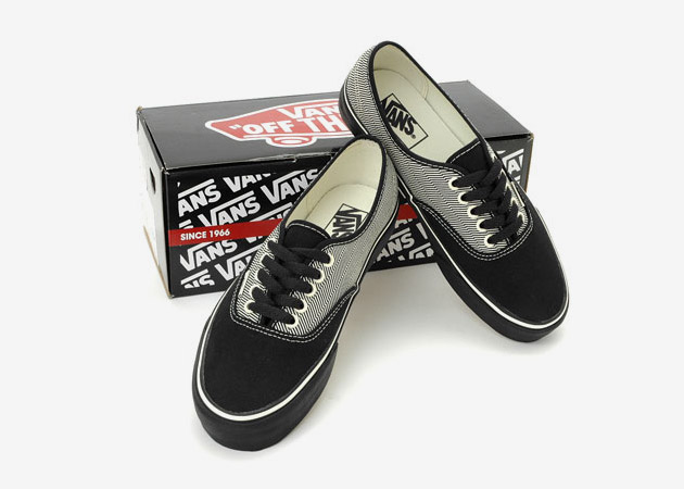 Vans Chukka Boot & Authentic Angle Stripe Pack