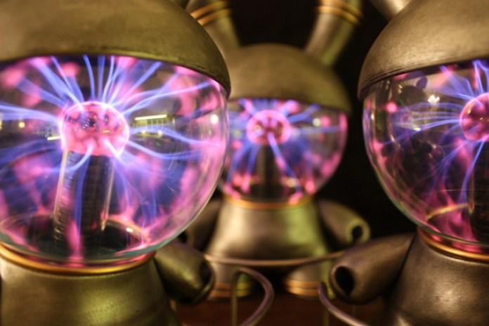 "Dustin Cantrell x Kidrobot Custom ""Plasma Globe"" Dunny"