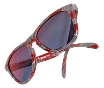 Supreme x Oakley Frogskin Sunglasses