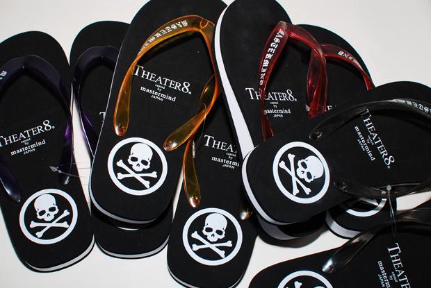 Theatre8 x mastermind JAPAN Flip Flops