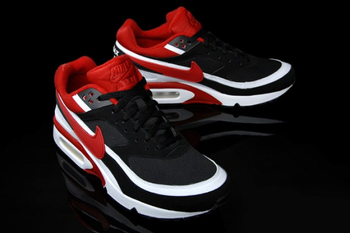 Nike air classic bw red black white colorway