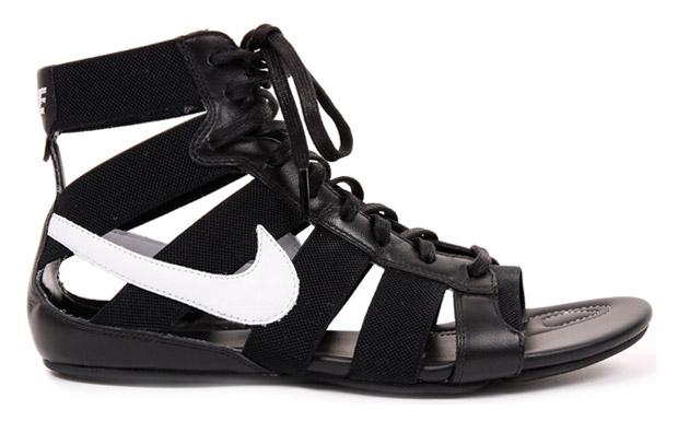 Nike Womens Gladiator Mid