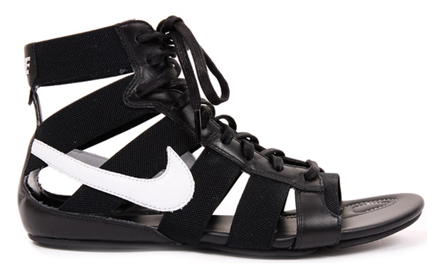 Nike Womens Gladiator Mid