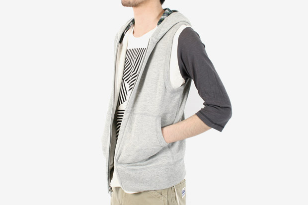 Ships Jet Blue x Wings + Horns Sleeveless Zip Hood