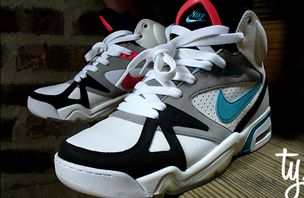 Nike Air Hoop Structure - Triax Colorway