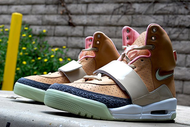 Nike Air Yeezy Khaki/Pink Colorway Release