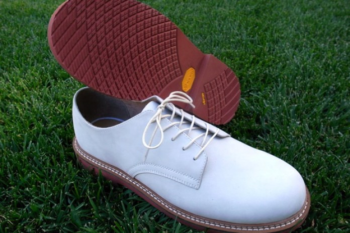 S/Double White Buck Shoes