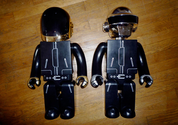 Daft Punk x SILLY THING x MEDICOM TOY 1000% Kubrick Preview
