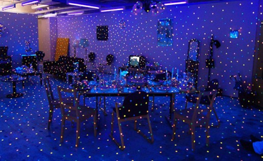 Propagating Room Installation by Yayoi Kusama