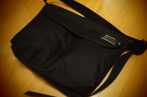 10 corso como COMME des GARCONS x Yoshida Messenger Bag
