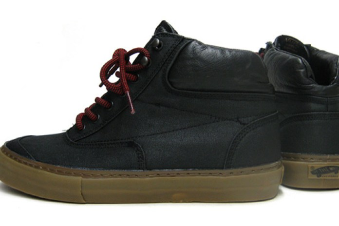Vans 2009 Holiday Switchback Sneakers