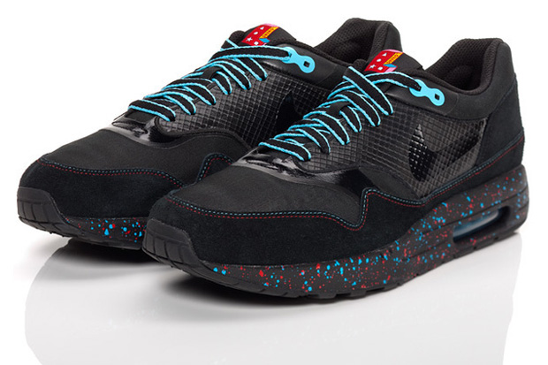 Nike Sportswear Holiday '09 Rivalry Collection Featuring Parra