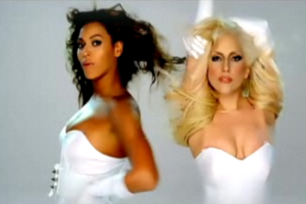 Beyoncé feat. Lady Gaga - Video Phone (Extended Remix)