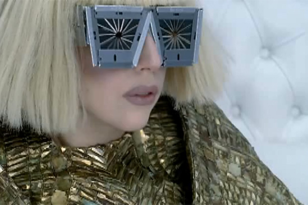 Lady Gaga - Bad Romance
