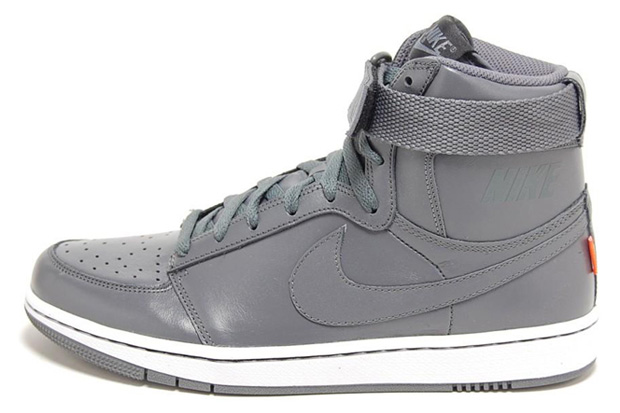 Nike Sportswear Dynasty High Quickstrike LE