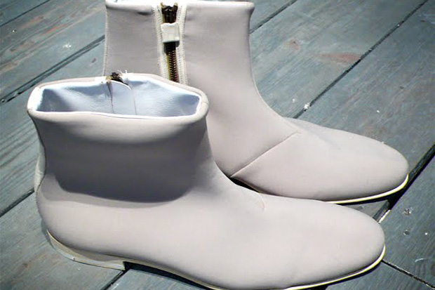 Viktor & Rolf 2010 Spring/Summer Neoprene Boots Preview