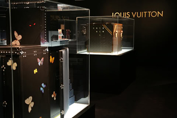 "Damien Hirst x Louis Vuitton ""Maîtres du Savoir-Faire"" Custom Collection Further Look"
