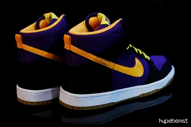 Nike Sportswear Dunk Hi Supreme Preview