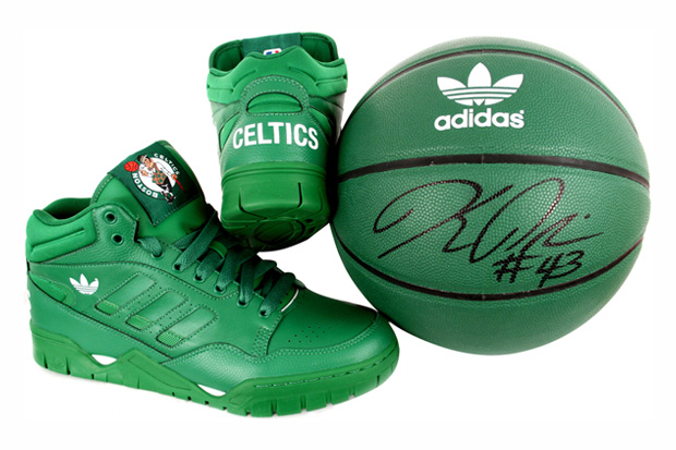 Boston Celtics x adidas Originals Phantom II