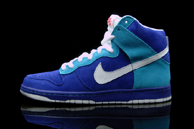 "Nike SB Dunk High ""Lost Oceanic Airlines"""