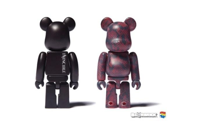 INVINCIBLE x Medicom Toy 100% Bearbrick Set