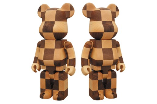 "MEDICOM TOY Exhibition 2010 ""Like A Chess"" 400% BEARBRICK"