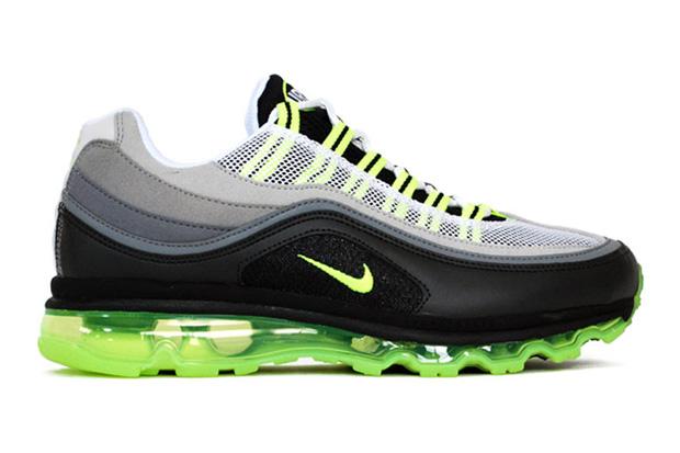 Nike Air Max 24-7 Neon