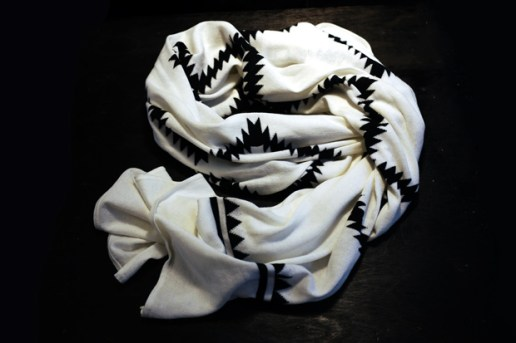 UNUSED 2010 Spring/Summer Cotton Knit Stole