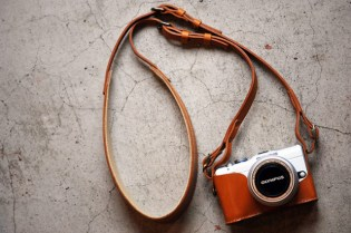 Roberu Olympus Pen Lite E-PL1 Holder & Strap Set