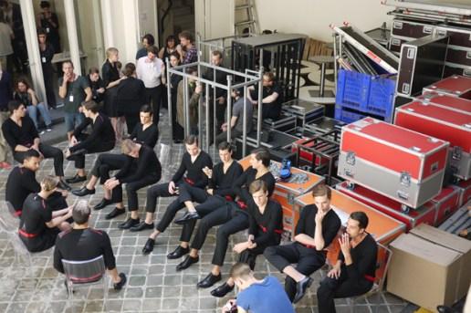 Yves Saint Laurent Collection Homme Printemps-Eté 2011: Backstage