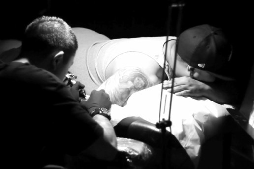 Black & White: Tattoo Artist Jun Cha