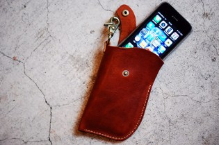 Roberu iPhone Leather Pocket Exhibition
