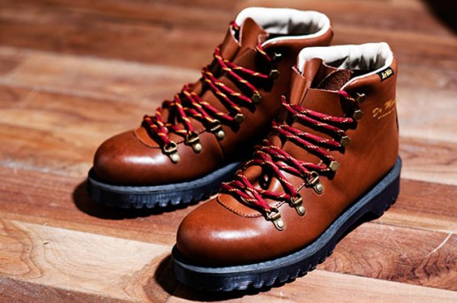 Dr. Martens 2010 Fall/Winter Holt Hitch Hiker