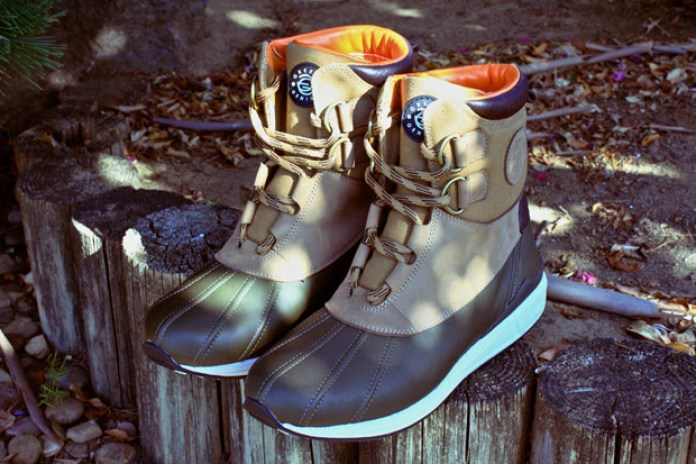Greedy Genius 2010 Holiday Duck Boots