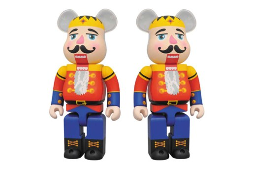 "Dr. Romanelli x Medicom Toy ""DRX-Mas"" 400% Nutcracker Bearbrick"