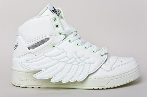 "Jeremy Scott x adidas Originals by Originals 2011 Spring/Summer JS Wings ""Glow in the Dark"""
