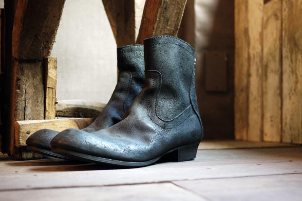 Julius Cuban Back Zip Heel Boot