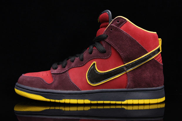 "Nike SB ""Iron Man"" Dunk High Premium"