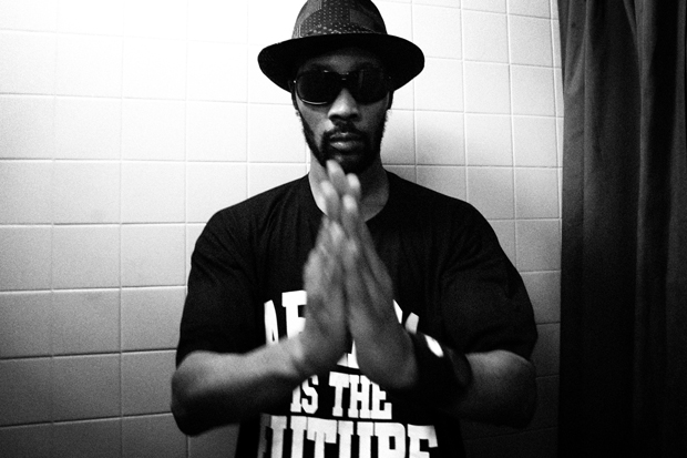RZA featuring Gravediggaz - 2 More Cups of Blood
