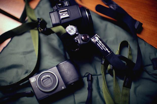 WTAP(S)ILLYTHING Camera Strap