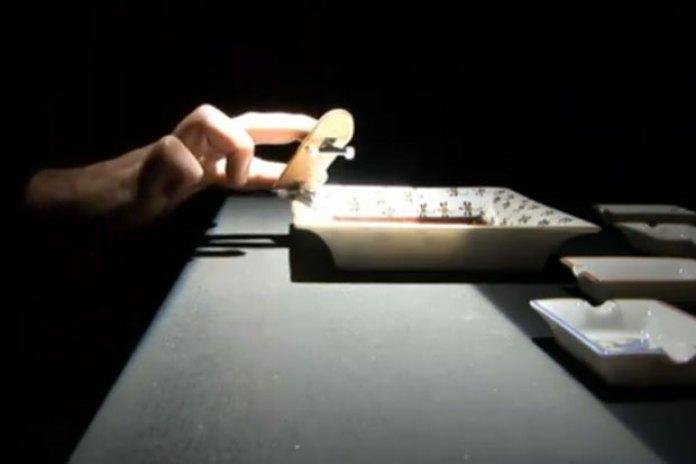 Hermes Finger Skate Video
