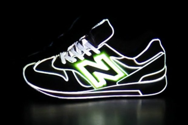 New Balance Sneaker Projection Mapping by Hayoung Jung