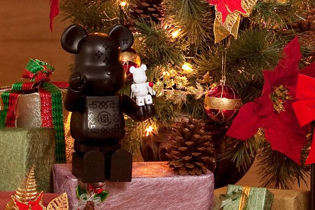 "CLOT x MEDICOM TOY ""Christmas Silk"" BEARBRICK"