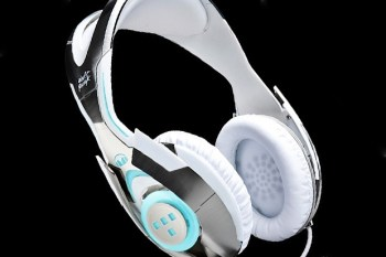 Daft Punk x Medicom Toy x Monster TRON: Legacy Headphones