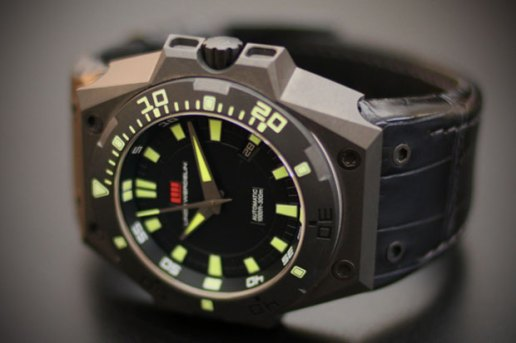 Linde Werdelin Hard Grey DLC Watch