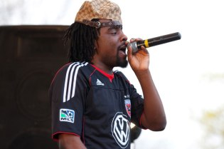 Wale featuring Lloyd – Let's Chill