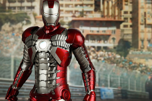 Hot Toys Iron Man Mark V 1/6th Scale Figure