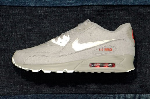 "Nike Sportswear Air Max 90 ""Denim"" Collection"