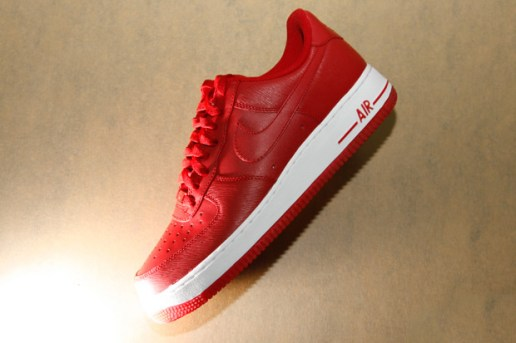 "Nike Sportswear ""Microstripe"" Air Force 1"